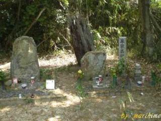 武佐宿平宗盛・清宗の墓