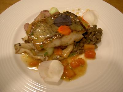 プチット リュ 魚のプレート