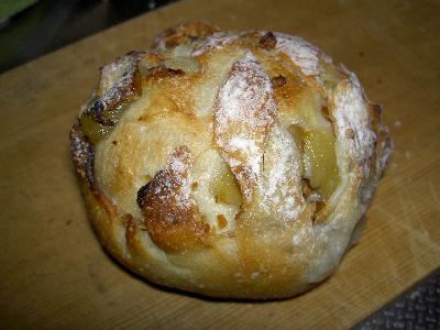 リンゴとクルミのパン