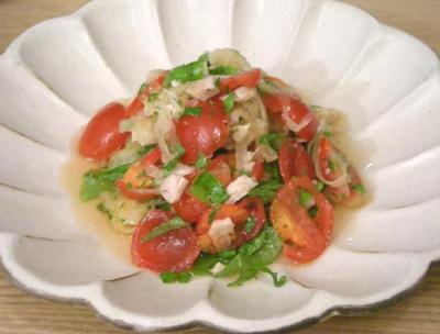 魚、貝、野菜を満喫。オニオン&トマトサラダ 2008.10.11