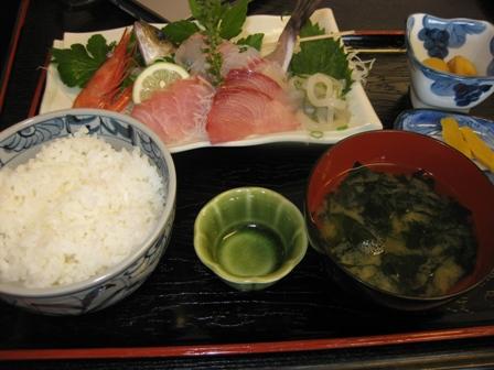 blog_sashimi_lunch111008.jpg