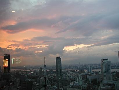 雲が面白い。反射はご容赦あれ