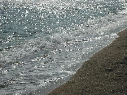 波や波や~