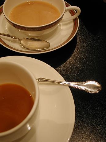 いつか飲んだ珈琲。相手は紅茶。