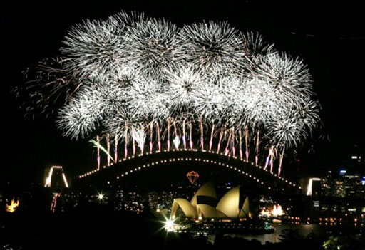 Sydney New Years Eve Fireworks 2006-pro
