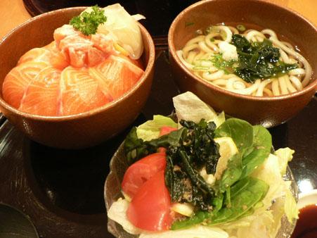 サーモン丼&うどん