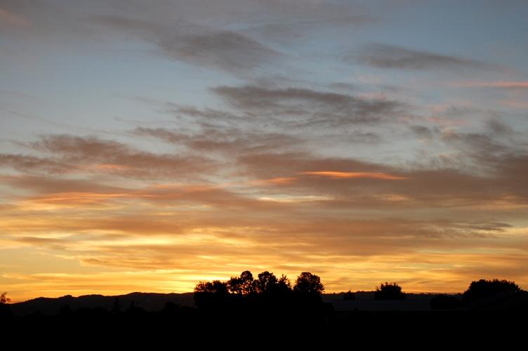 農場で夕焼け2