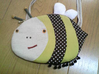 蜂ポシェット