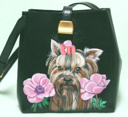 ぴっと君をバッグに描きました