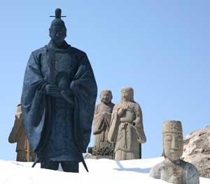 頂上神社の像