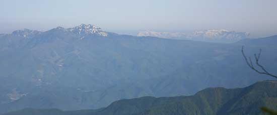 武尊山と巻機山