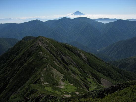 東聖岳と富士山