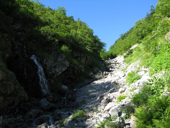 涸れ沢と滝