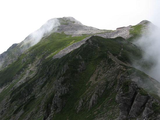山頂付近の全貌.
