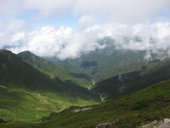 稜線は雲の中