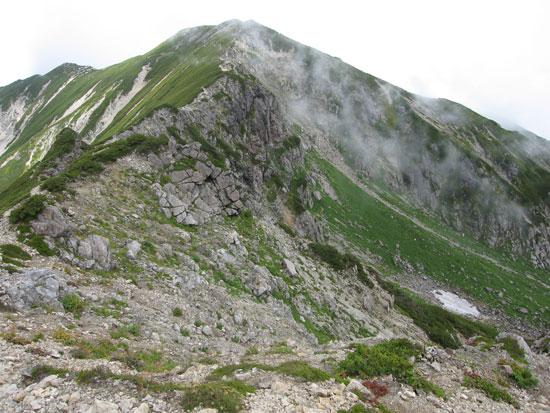 近づくお山