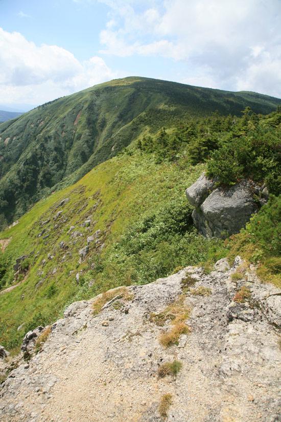 池ノ岳から見る平ヶ岳