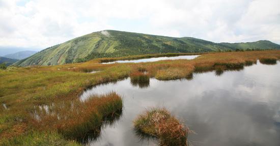 平ヶ岳と姫ノ池