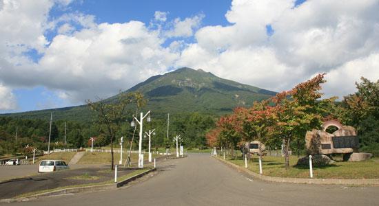 下山後の岩木山