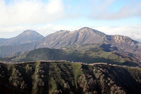 妙高山から見た火打山