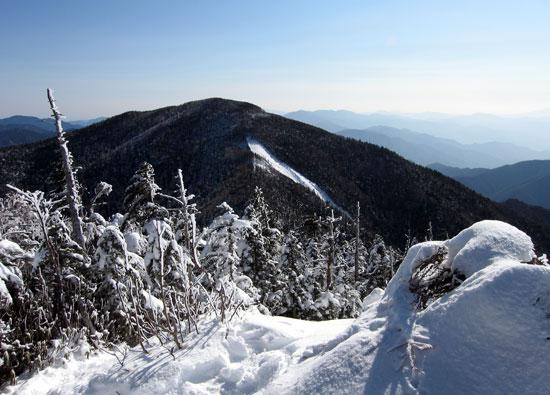 甲武信岳から見る木賊山