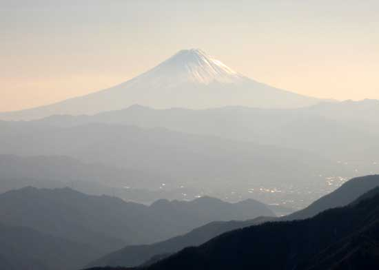 輝く富士山