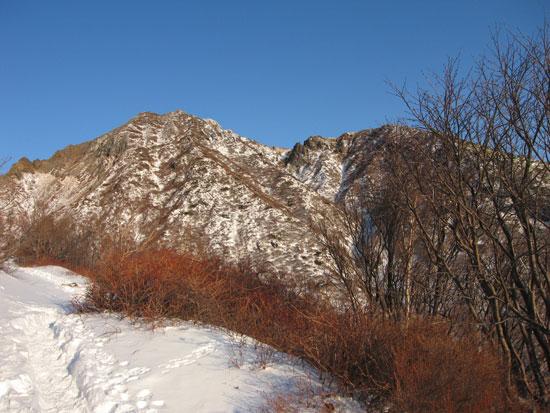 朝日岳が目の前