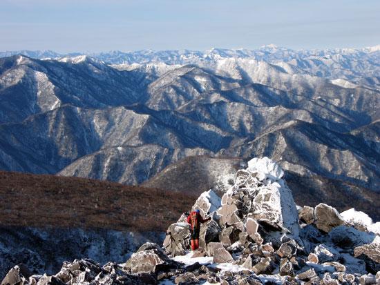雪山と登山者