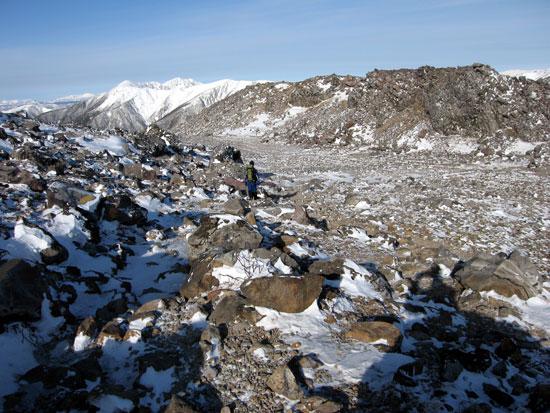 雪の少ない岩場