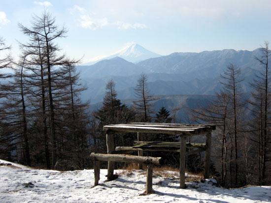 雲取山\小屋から見た富士山