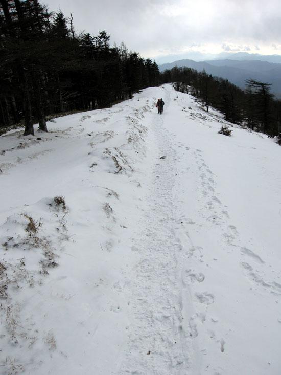 雪道を下山