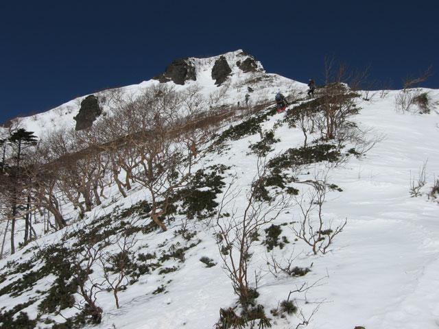 山頂へ向かって