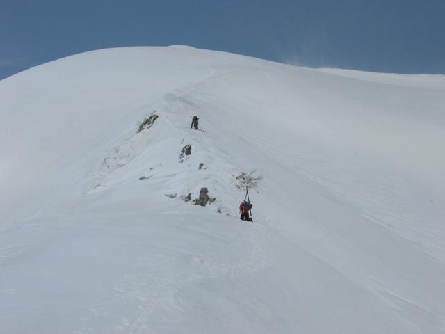 スキーを脱いで