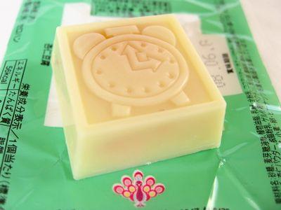 チロルチョコ--杏仁豆腐。