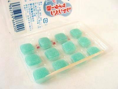 富士製菓--シャンペンサイダー餅。