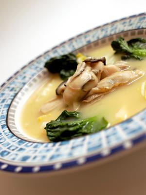 牡蛎の白味噌椀