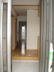 高松町1玄関