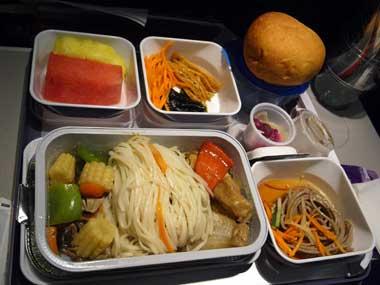関空→マカオ 機内食2