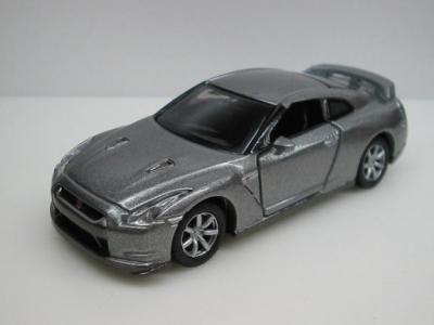 0099 NISSAN GT-R