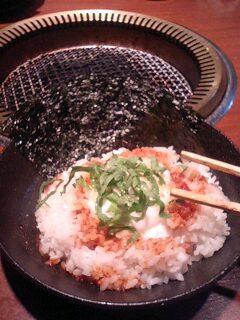 韓国海苔と温玉のっけ飯