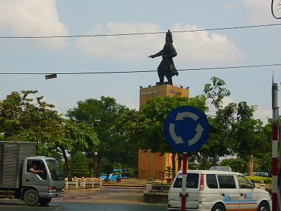 チャンフンダオ像