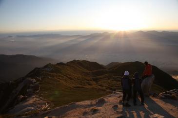 空木岳山頂にて 日の出鑑賞会