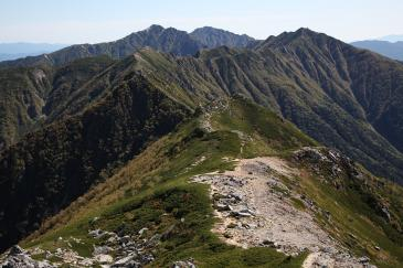 空木岳への稜線