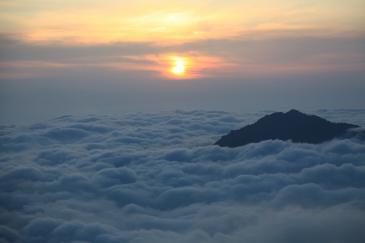 丸山付近から雲海を望む