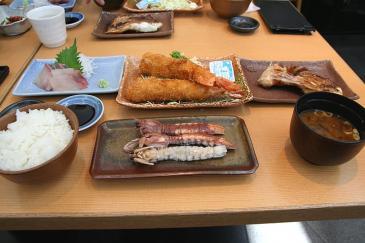 セントレア2009年3月21日 まるは食堂 2000円定食