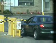 おばちゃんドライバーと駐車場ゲートの戦い
