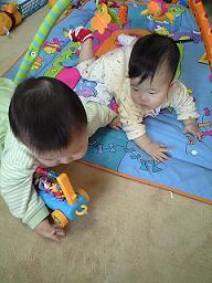 おもちゃ遊び3
