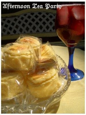スイーツ ペイストリースナッフルス チーズオムレット ワイン