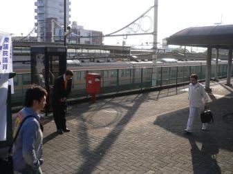 090601深谷駅頭
