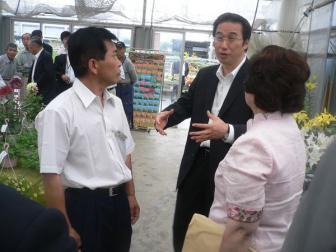 090702自民党「地産地消PT」現地視察 JA花園直売所